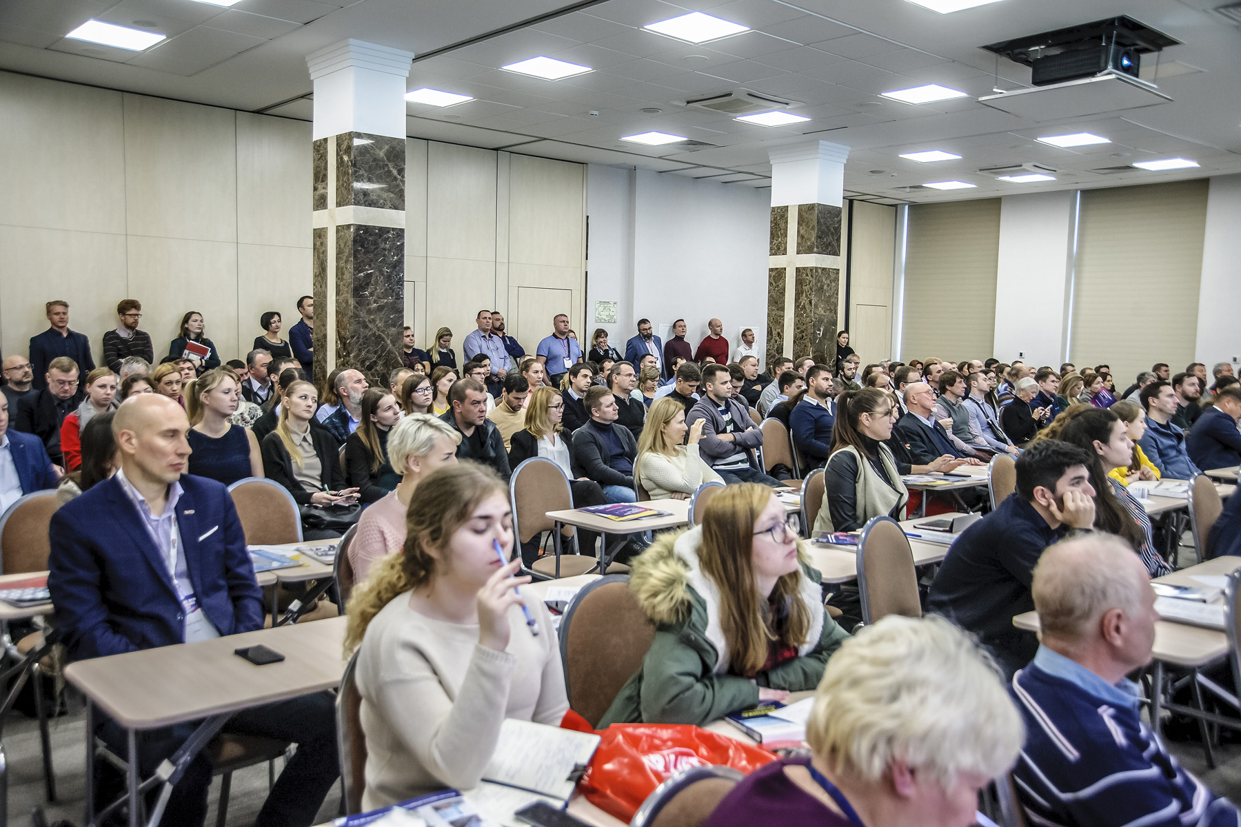 Петербургский форум внешних оболочек зданий